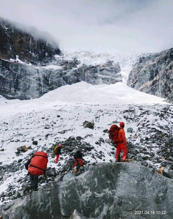 极限攀登才是探险的开始——PRW-60YT-1PR与我共闯峰顶