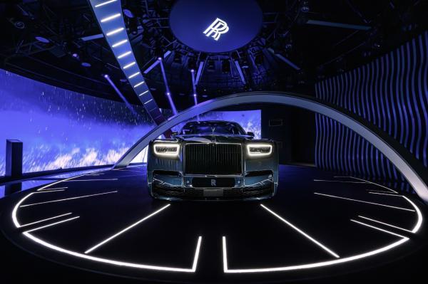 劳斯莱斯限量版车型亮相上海车展 首度跨界电音携手网易放刺