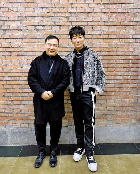 李炳辰亮相中国国际时装周 享福古风与前卫的视觉碰撞