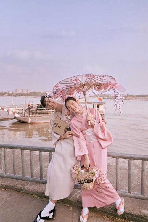 """又是一年樱花季,铂爵旅拍打造和风婚纱照,""""粉""""上这个春天~"""