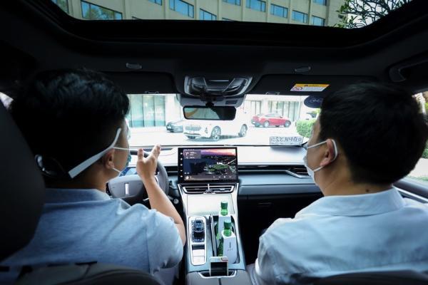 行业专家解码咖啡智驾:打造新一代智能汽车 开拓科技出行新体验