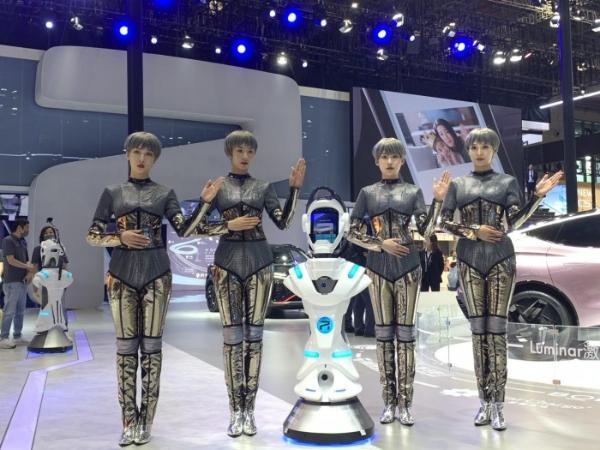 """上海车展媒体日结束,易车成观众""""云逛展""""首选平台"""