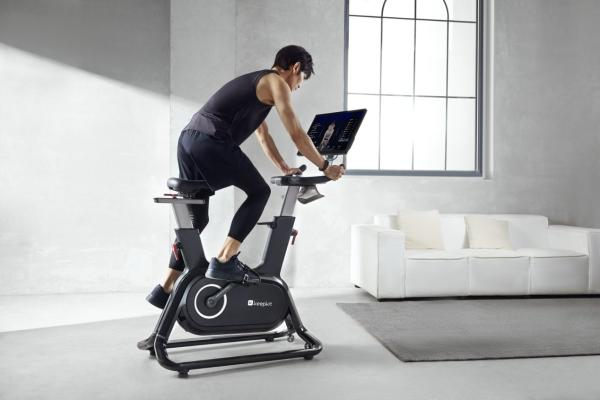 Keep正式发布智能动感单车C1 Pro:双向大屏 运动全能