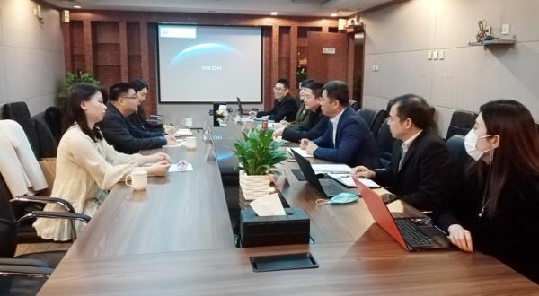 中信建发董事长马哲刚一行到云谷产业集团调研合作