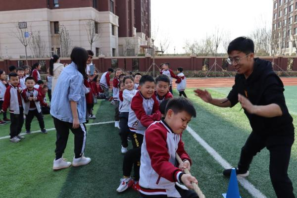 """""""绳""""旺团结聚天津为明国际学校举办拔河比赛"""