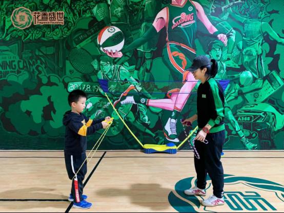 践行体育精神 花香盛世助推青少年健康成长