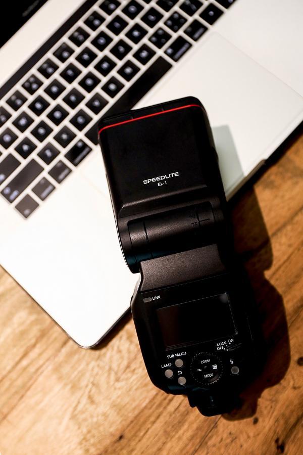 专业人像摄影之选佳能EL-1闪光灯 诚意满满的集大成之作