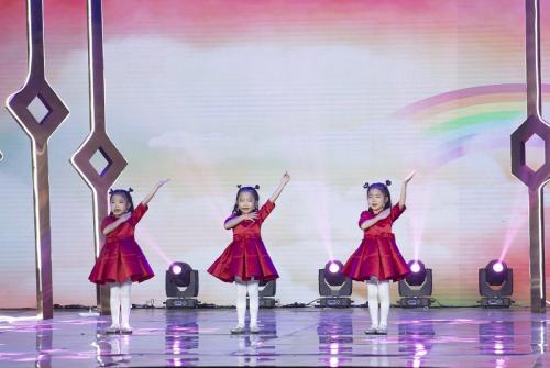 桔子树三百余名小学员再登北京电视台《非常追梦》舞台
