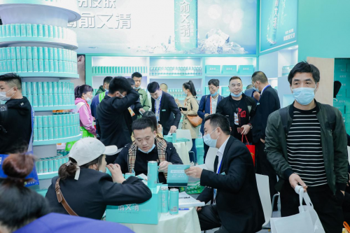 第104届全国糖酒会俞文清燕窝水强势领跑,带动中国饮料市场变革