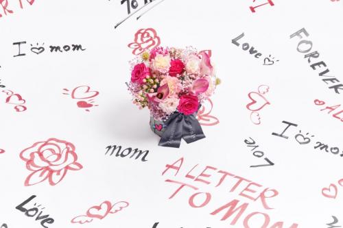 ROSEONLY母亲节花漾信笺打造独一无二爱礼