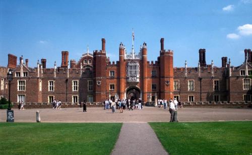 干货分享丨高考后怎样申请杭州本科英国留学?