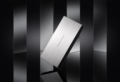 极米RS AIR保时捷设计正式发布 致敬时代再造经典