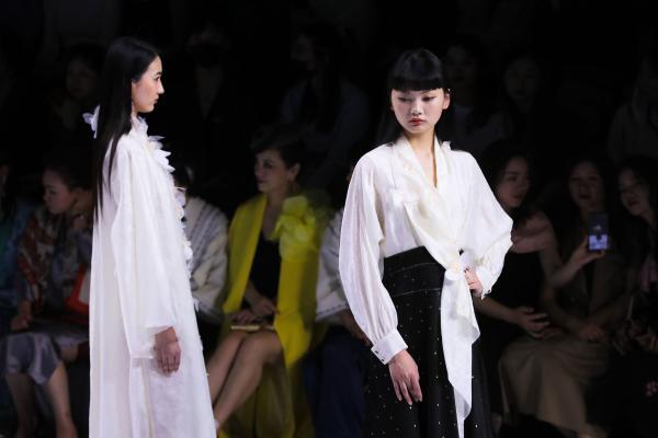 中国文化年开启GRACE CHEN 2021 SS中国风雅•琴系列发布