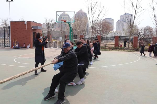 """""""绳""""彩飞扬、团结聚力 天津为明国际学校举办拔河比赛"""