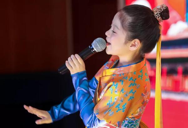 从卖煎饼果子到做外交官,来自9岁保定女孩的人生梦想