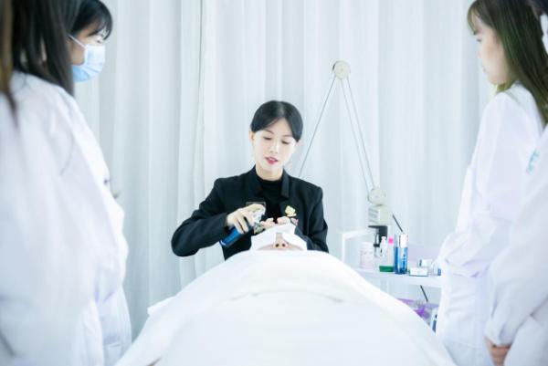 200万用户追随,禾葡兰要打造最值得信赖的护肤团队