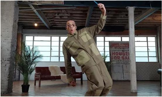 疫情宅家刷TikTok学新技能,20%受访英国人因此学会跳舞