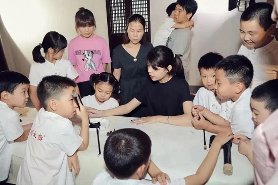 素质教育文武合璧:秦汉胡同与Hello功夫达成战略合作