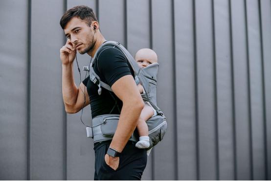 抱抱熊以科技破圈 ,创新母婴新体验