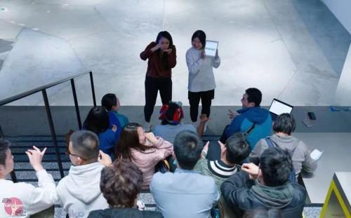 """手语的""""无声世界""""里流淌出新青年力量,淮海路的这个空间也太暖了吧!"""