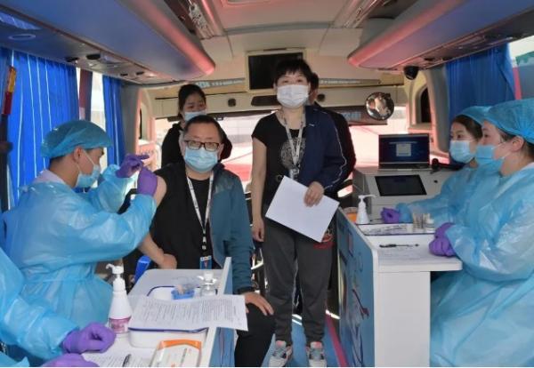 共筑防疫安全屏障,华微电子组织员工接种疫苗