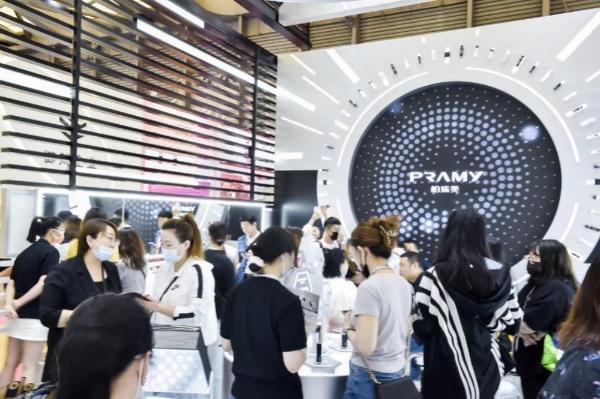柏瑞美定妆家族首次成团亮相2021上海美博会