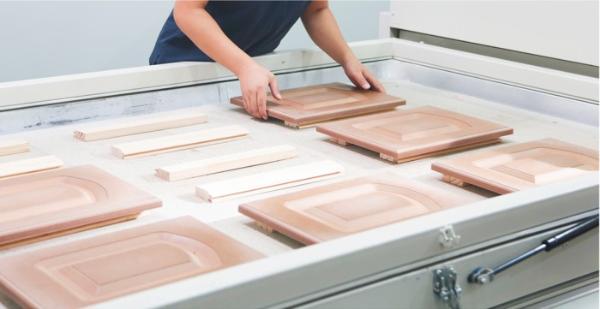 国产品牌支持率过半!全国首份木工胶粘剂行业白皮书都写了啥?