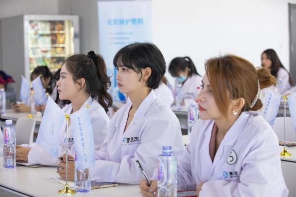 绽妍&新氧探厂活动圆满落幕,用实力传递国货自信