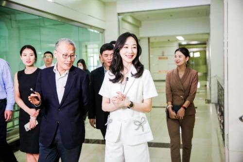 君乐宝奶粉牵手演员韩雪 新一代女性信赖新一代好奶粉