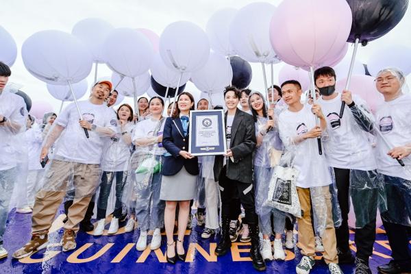 长沙IFS三周年共创吉尼斯世界纪录 同写城市欢乐记忆