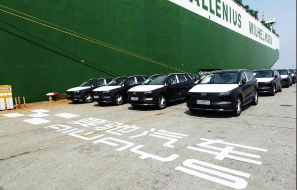 国产新能源汽车出海浪潮 打响爱驰人才争夺战