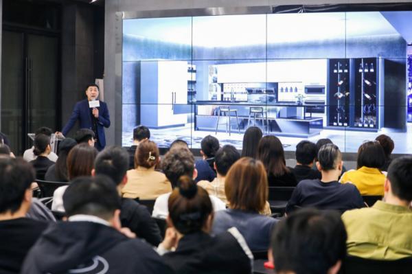 森歌电器与国内首家一站式设计平台青设会达成战略合作,共建智慧美学新厨房!