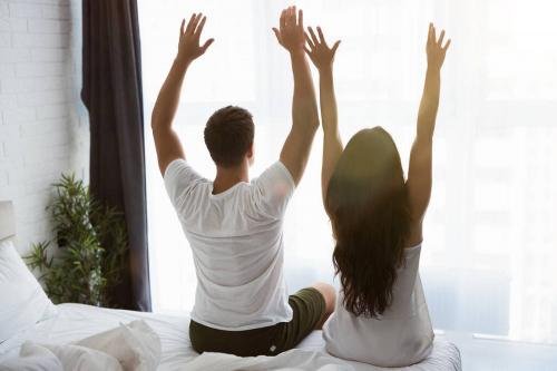 睡觉醒来总是腰酸背痛,你找对原因了吗?