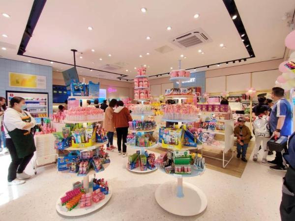 高端零食良品铺子亮相西宁 2天吸引市民花20万打卡消费