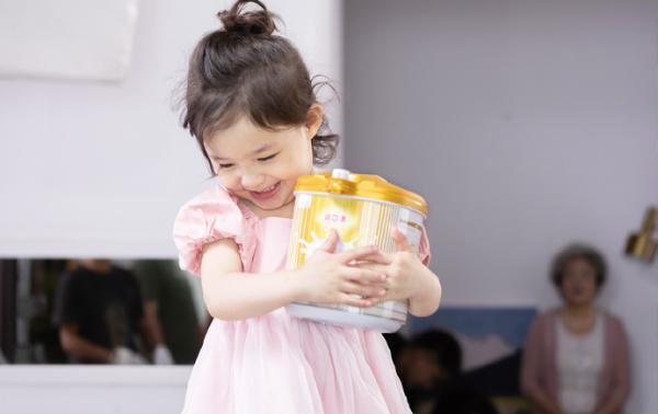 Ofmom润尔美奶粉宝宝安全品质口粮之选,做成长的坚实护盾