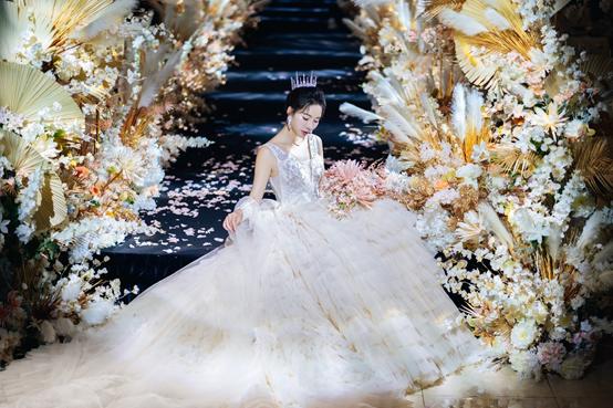 一站式婚礼行业迸发,圣拉维如何抉择?