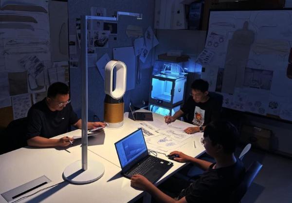 戴森向中国教育发展基金会捐赠131台机器现已陆续投入使用