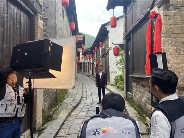 致敬百年峥嵘——乔军《永远的忠诚》MV在赤壁拍摄