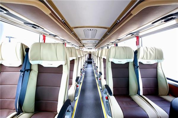 福田欧辉BJ6122城间精品客车亮相 助推客运行业转型加速度