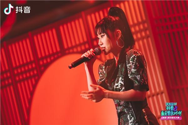 「2021抖音看见音乐计划」圆满落幕,音乐热爱官为原创音乐人现场颁奖