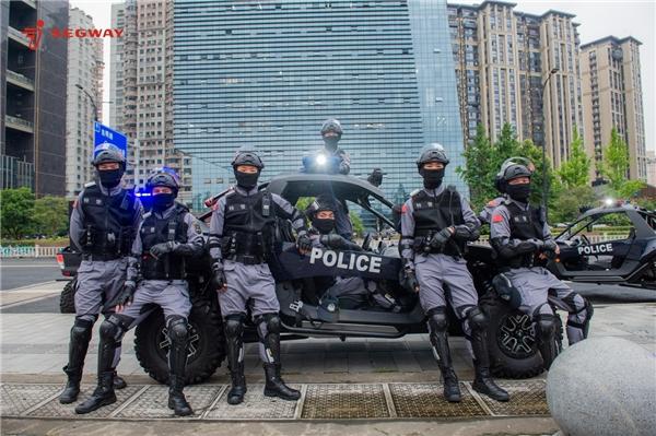 九号公司首批警用版赛格威全地形车正式投入使用