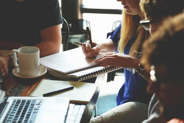 人才培养加速器,员工培训新趋势,大企业都在布局的在线学习平台