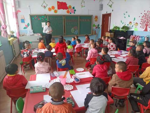 艺术暖童年——美学种子在富邦华一银行土牧尔台幼儿园萌芽