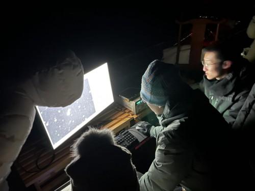"""刚刚我国第一台光学太空望远镜——起源太空""""仰望一号""""成功发射"""