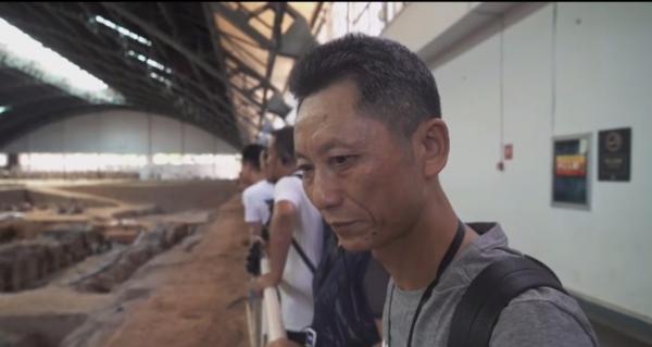 父亲节特辑丨25岁小伙携父环华旅行的故事