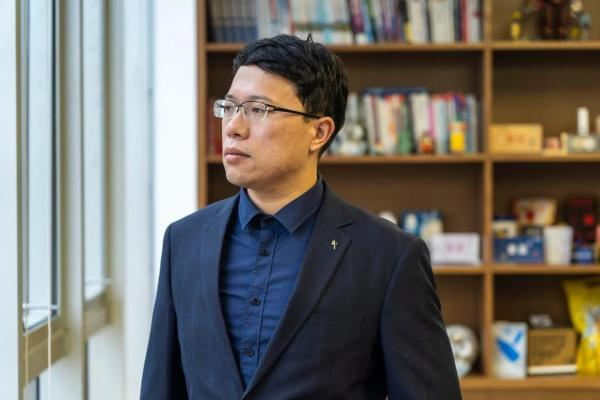 """27岁的科学家陈哲乾:用""""数字员工""""技术预见智能未来"""