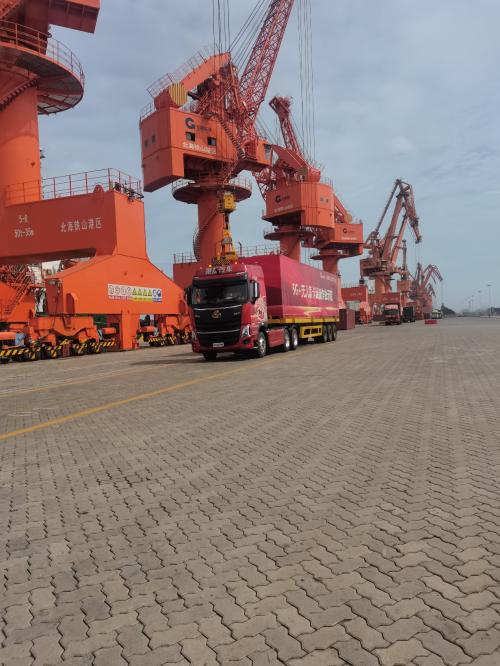 重磅!广西首个5G+无人驾驶集装箱卡车作业港口落地北海码头