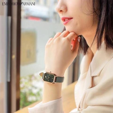石英手表电池售后担忧?上万表购买阿玛尼享5年内免费换三次电池
