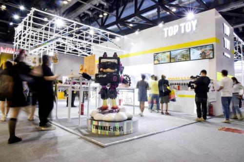 全球集合品牌TOP TOY引发潮玩热,如何玩转新消费?