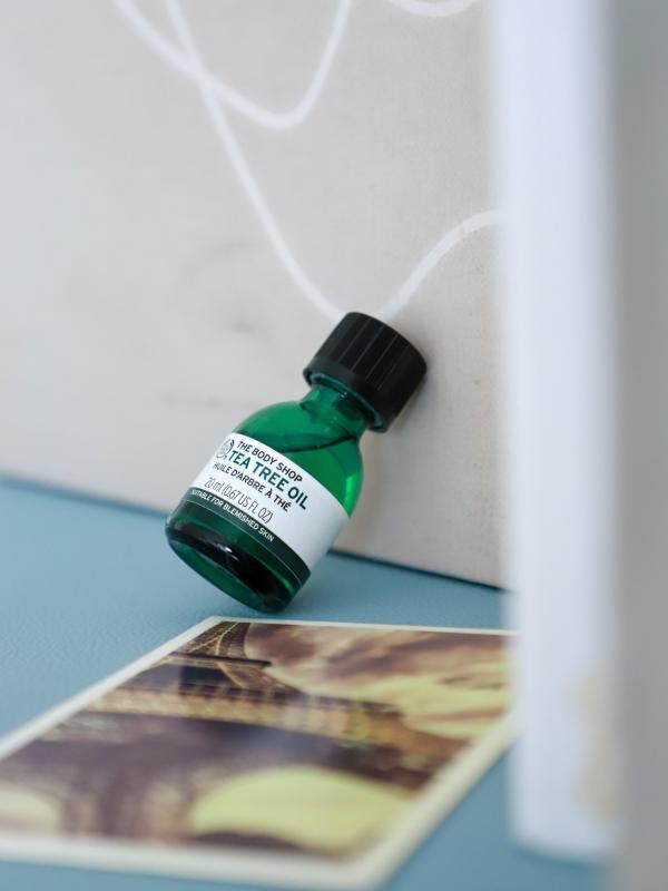 皮肤瑕疵如何修护?长痘痘能用美体小铺茶树油吗?